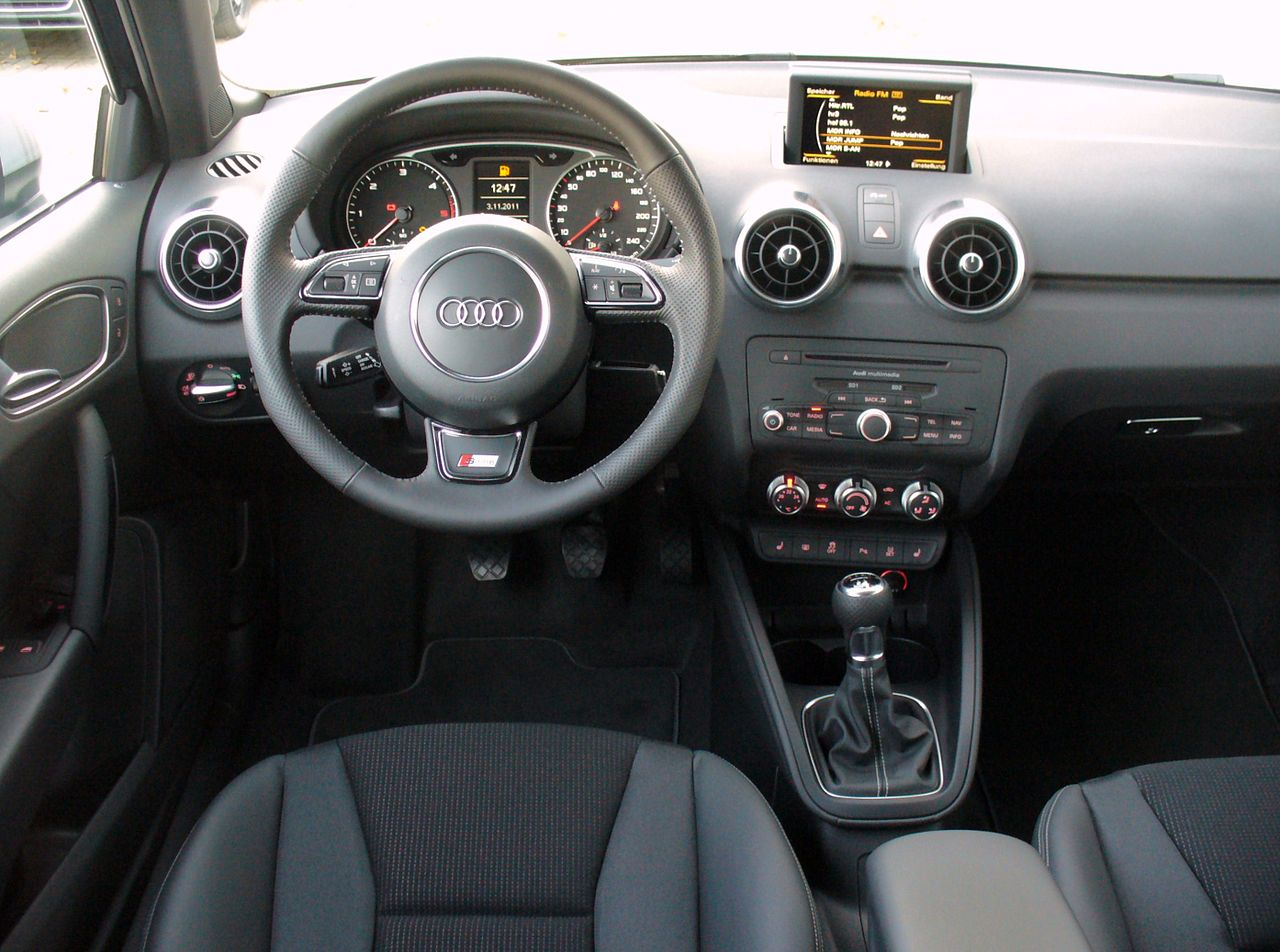 file audi a1 s line lifestyle kit union square 1 6 tdi daytonagrau interieur jpg wikimedia commons. Black Bedroom Furniture Sets. Home Design Ideas