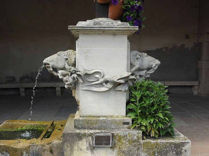 Azelot (M-et-M) fontaine A, détail