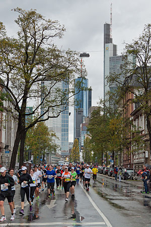 Frankfurt Marathon - Frankfurt Marathon in 2013, 14.5 km.