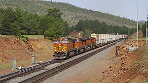 BNSF Eastbound Williams Junction, Arizona (15490239760) .jpg