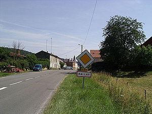 Ballay - Entrance to Ballay