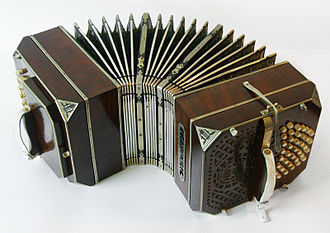 Tango music - Image: Bandoneon curved