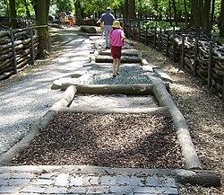 Barfusspfad Tierpark Rheingoenheim 1.jpg