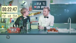 Bestand:Bastiaan says cheers with alcohol - Drugslab.webm