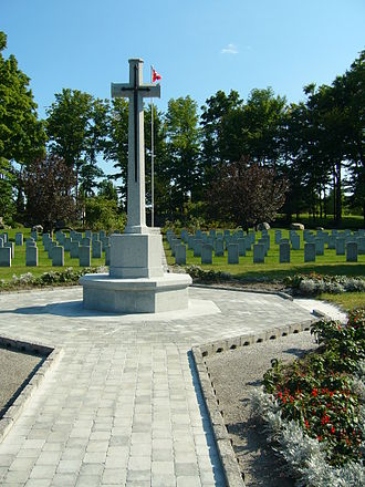 Beechwood Cemetery - Cross of Sacrifice erected in honour and memory of all war veterans in 1959