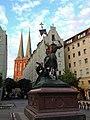 Berlin, Nikolaiviertel, St.-Georgs-Statue 2014-07.jpg