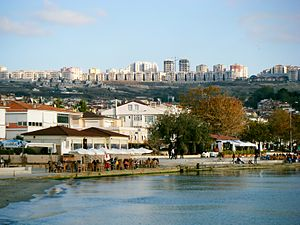 Beylikdüzü - Image: Beylikdüzü Beykent Adnan Kahveci Mahallesi'nin Sahilden Görünümü
