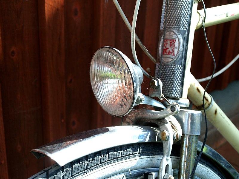 File:Bicycle light.jpg