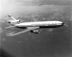 Bilstein 00459 McDonnell Douglas DC-10 N1903U (mfr).jpg