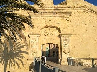Charles François de Mondion - Image: Birgu arch 2