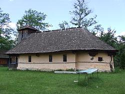 Biserica de lemn din Copaceni-Racovita01.jpg