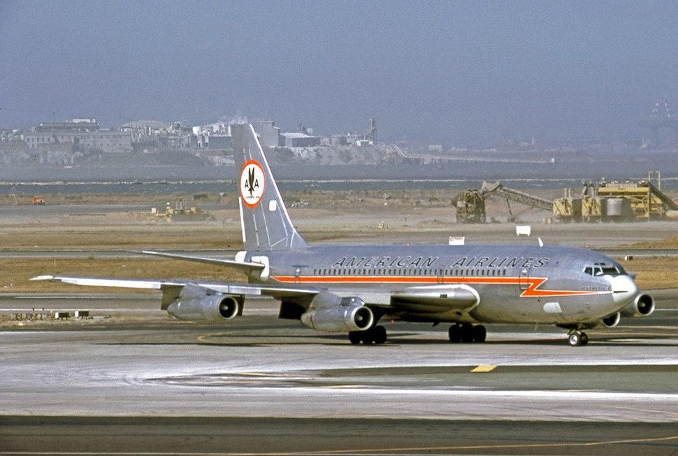 Boeing 720-023B N7533A AA SFO 19.09.70 edited-2