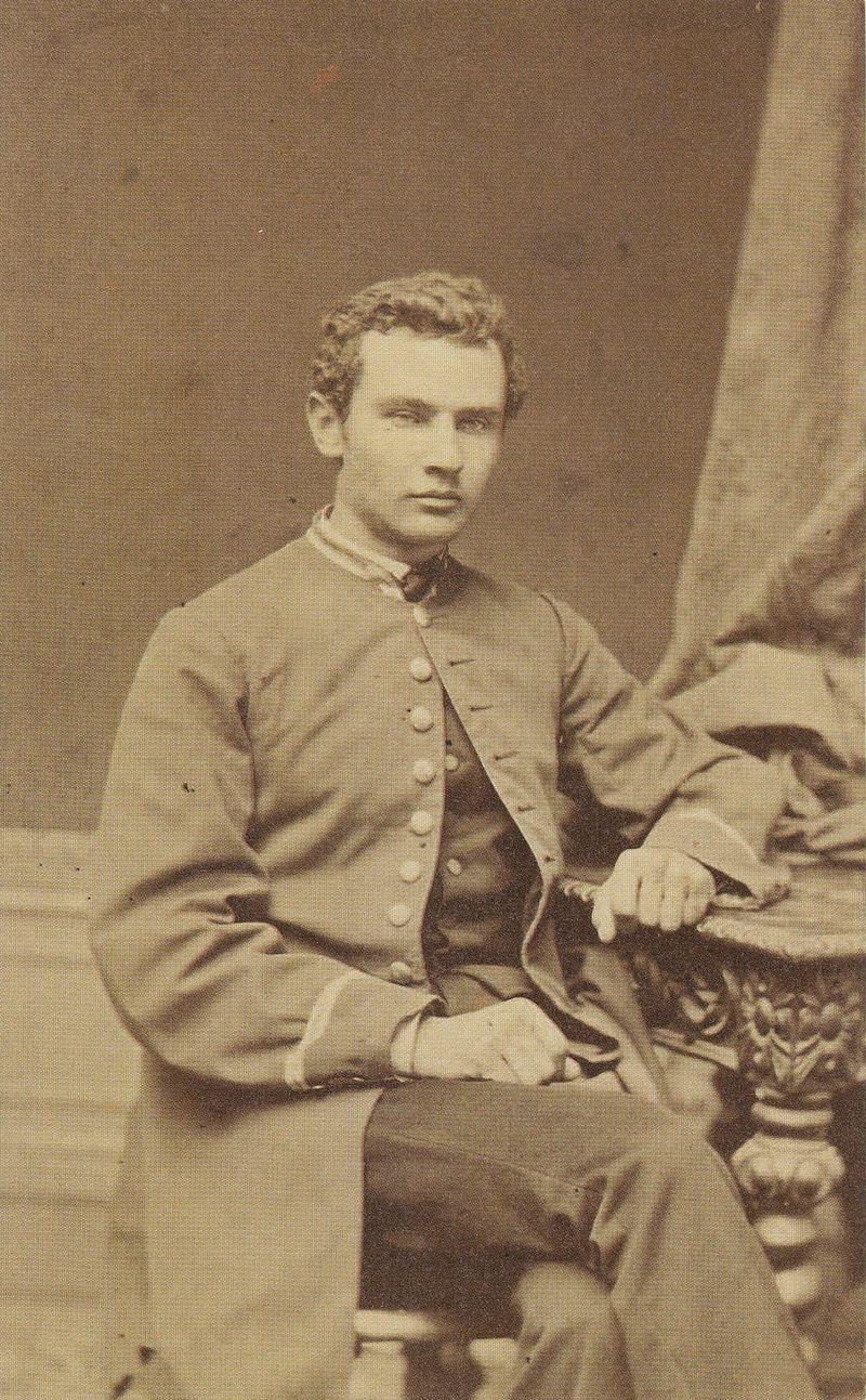 Bolesław Prus fotografia Konrada Brandla 1871.jpg