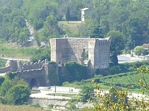 Bridge castle - A gateway to the North Italian bridge castle of Valeggio sul Mincio.