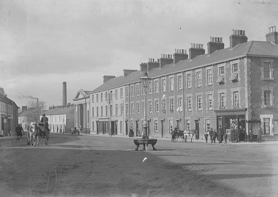 Bridge Street showing First Presbyterian Church, Portadown, Co. Armagh (16740202726)