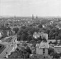Bundesarchiv B 145 Bild-F025359-0004, Bonn, Blick vom Hochhaus im Tulpenfeld.jpg