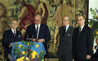 Otto von Habsburg - Otto (first right) with Helmut Kohl (third right) at the ceremony of the European Prize Coudenhove-Kalergi
