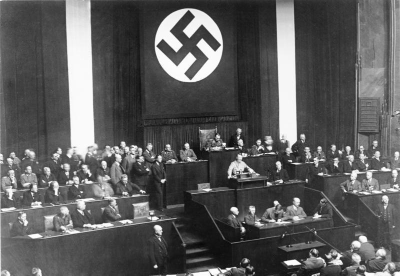 Bundesarchiv Bild 102-14439, Rede Adolf Hitlers zum Ermächtigungsgesetz