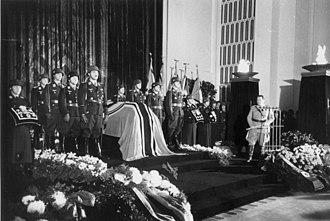Dietrich Peltz - Peltz at the funeral of Ernst Udet.