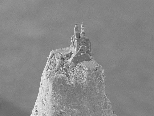Burg auf einer Bleistiftspitze.tif
