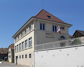 The town hall and school in Buschwiller
