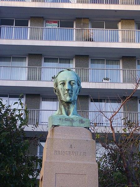 Cherbourg, France: Buste d'w:fr:Armand_de_Bricqueville, colonel et député, par w:fr:David_d'Angers.