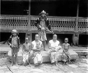 Nias people - A Nias family.