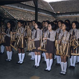 Music of Indonesia - The student angklung performance.