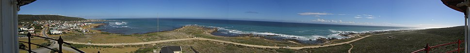 Panorama from the lighthouse around the cape