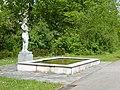 Carl Gutknecht (1878–1970) Bildhauer, Brunnen Skulptur von 1956, Friedhof am Hörnli (2).jpg