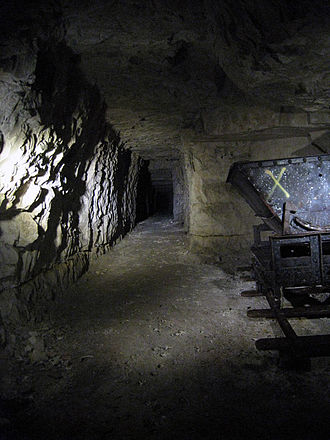 New Zealand Tunnelling Company - Tunnel and mining trolley in Carrière Wellington
