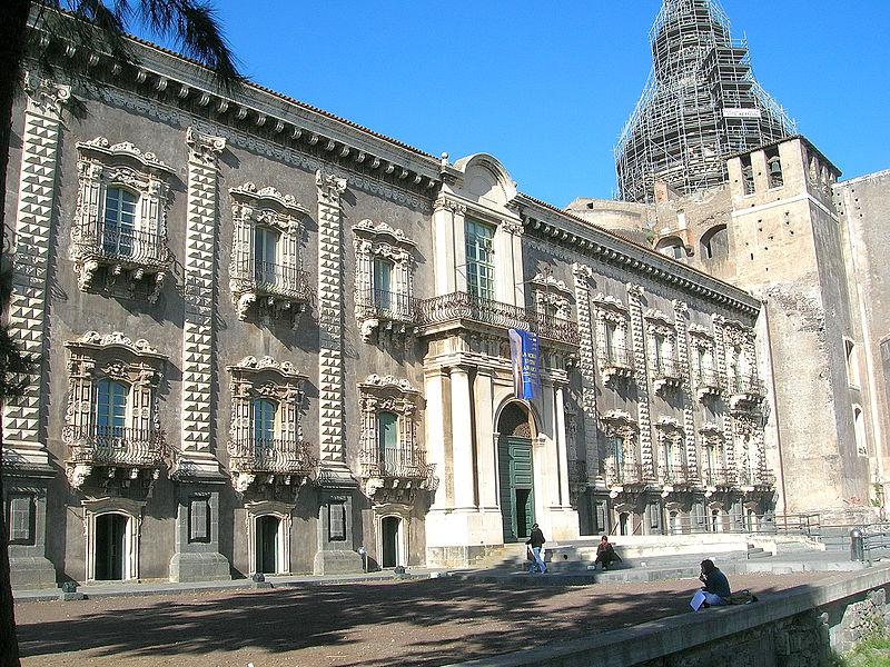 Ex Monastero dei Benedettini sede della facoltà di Lettere e Filosofia e della Facoltà di Lingue e Letterature Straniere dellUniversità di Catania