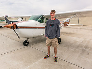 Cessna 172 Mark Schierbecker.jpg