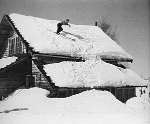Chiharu Igaya - Igaya training on the roof of his house in 1951