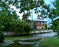 Ciechanowiec - chatka w sąsiedztwie zalewu - panoramio.jpg