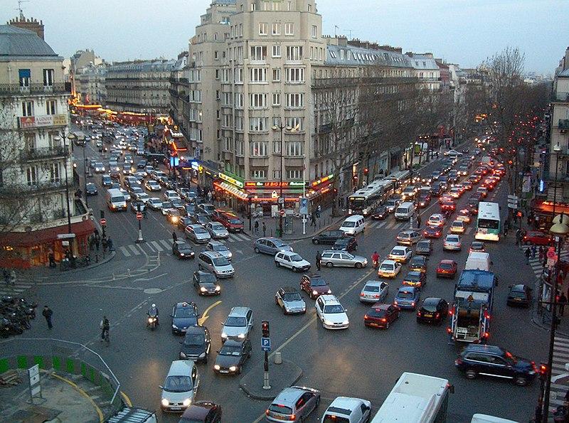 File:Circulation Dingue (Parisian Traffic), Place De Roubaix, Gare Du Nord, Paris, 25 mar 2005 - panoramio.jpg