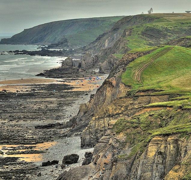 File:Coast near Bude - panoramio.jpg