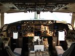 Cockpit of Boeing 757 (4652855292).jpg