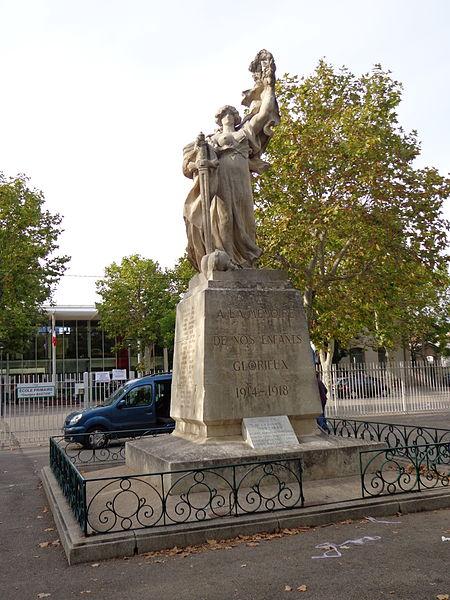 Cournonterral (Hérault) - monument aux morts sur l'esplanade Jean Moulin, inauguré le 29 July 1923  - sculpture de Jean-Antoine Injalbert.