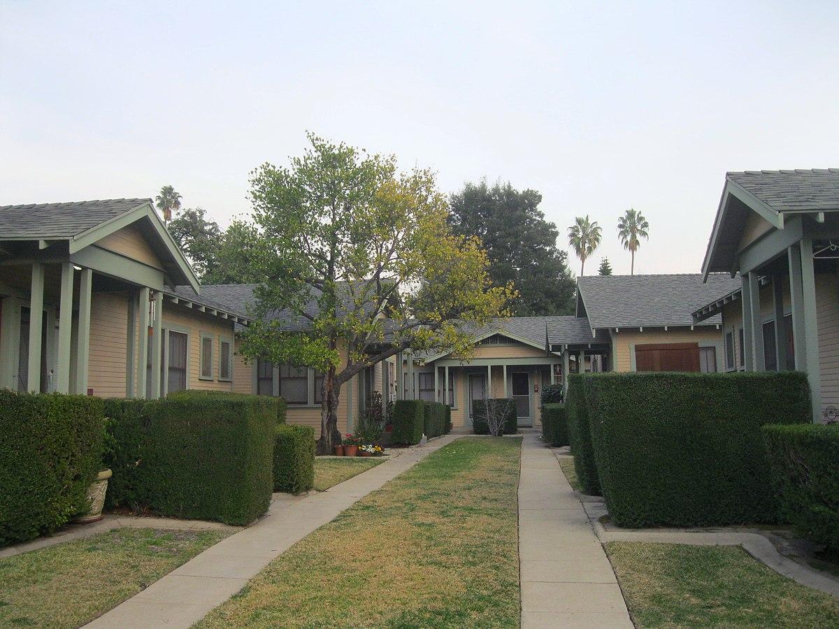 Court At 638 650 North Mar Vista Avenue Wikipedia