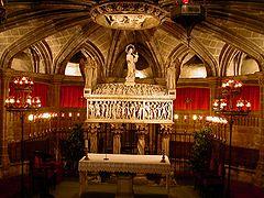 Catedral de la santa cruz y santa eulalia de barcelona for Interior de la catedral de barcelona