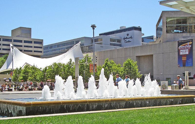 Crown Center 1 Kansas City MO.jpg