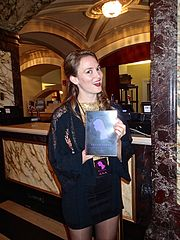 Dawn Landes, Chicago Theater, Chicago, IL, Sunday, 21 September 2014 (15130556730).jpg