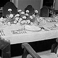 De plaats aan tafel voor de koningin bij het galadiner in het Gouvernementspalei, Bestanddeelnr 252-3619.jpg