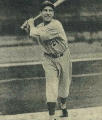 Dick Siebert - Image: Dick Siebert 1940 Play Ball card