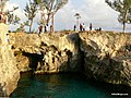 Divers at Ricks Cafe in Negril - panoramio.jpg