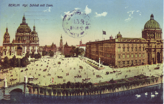 Berlin Cathedral (left) and Berlin Palace (right), 1900 Dom und Stadtschloss, Berlin 1900.png