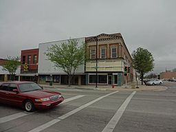 Downtown Great Bend Kansas 5-5-2012.jpg