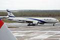 El Al Israel Airlines, 4X-ECF, Boeing 777-258 ER (17275933708).jpg