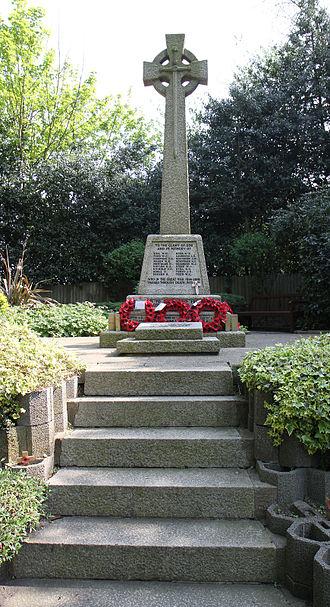 Elstree - Elstree War Memorial, Elstree Hill North